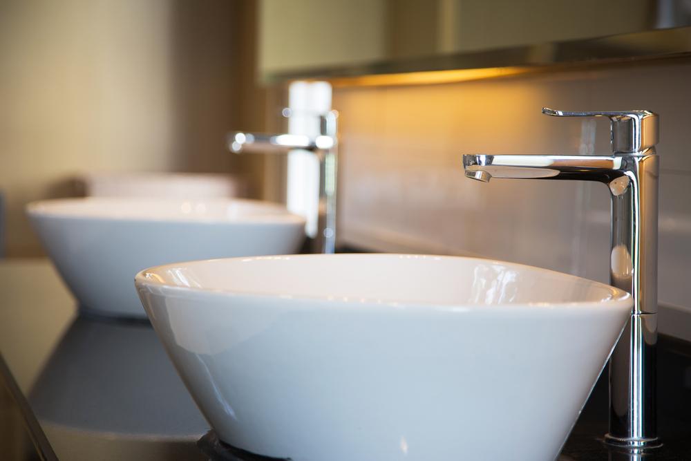 rubinetto bagno in acciaio