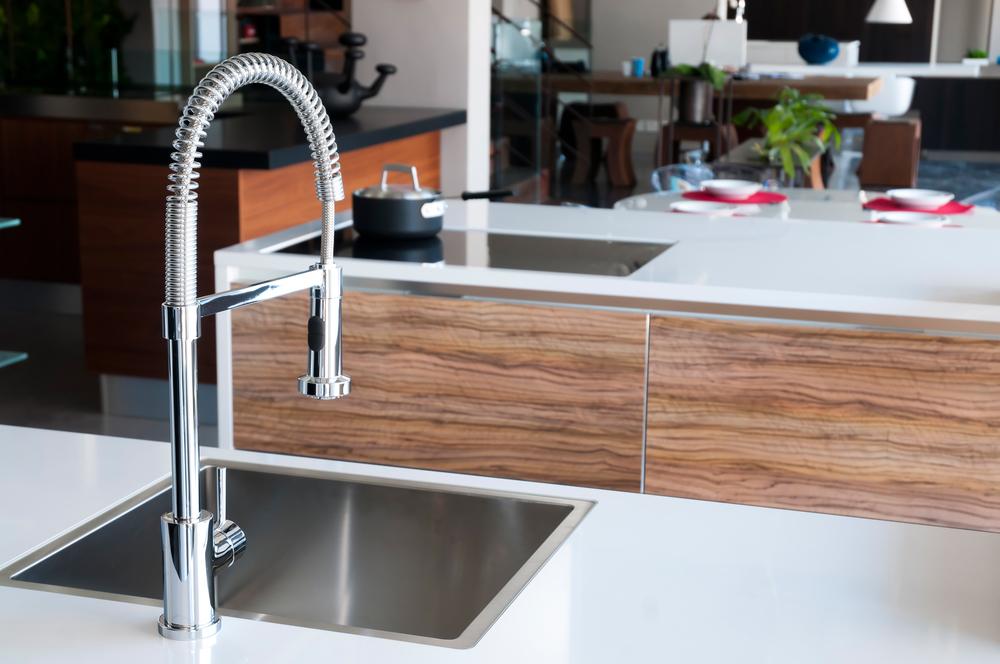 rubinetto cucina in acciaio