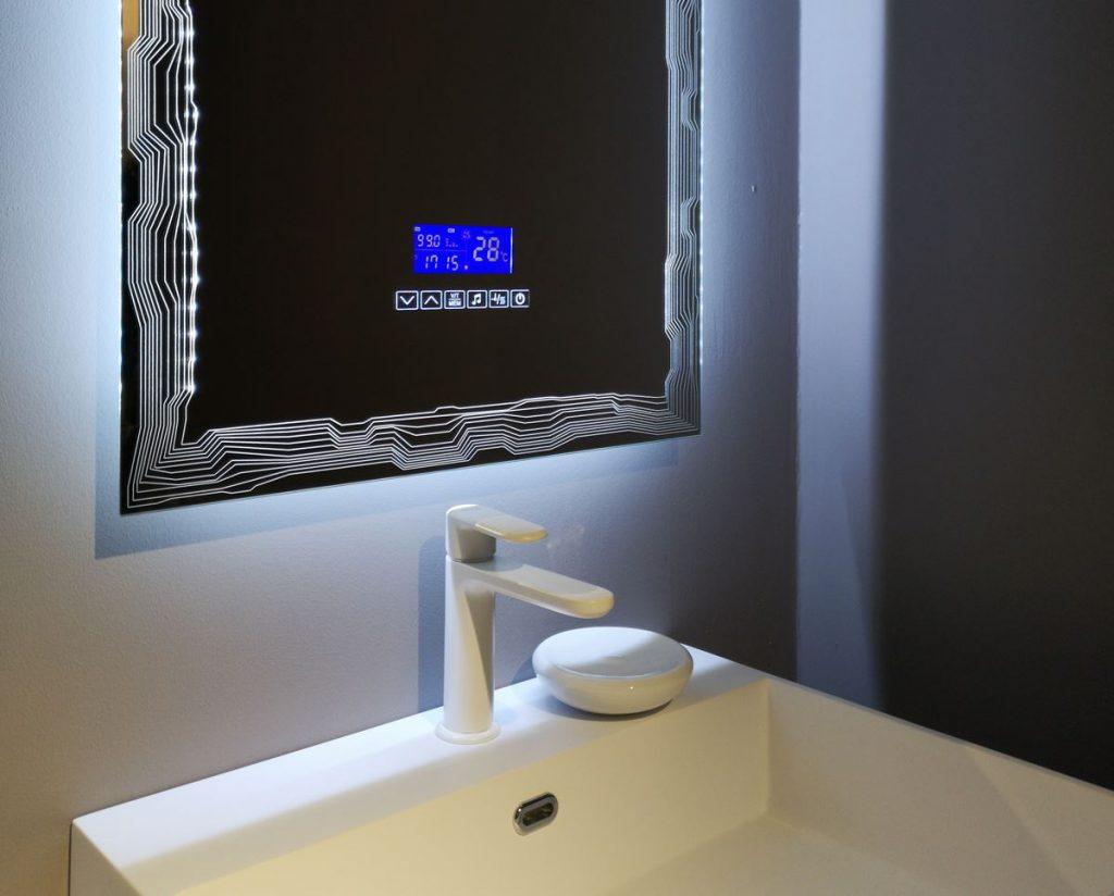 Baden Haus @ Cersaie 2019 | Temperatura, illuminazione, musica: lo specchio del bagno diventa interattivo