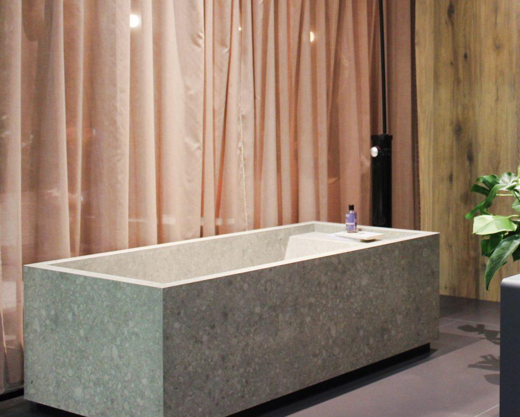 Kale @ Cersaie 2019 | Vasca da bagno interamente rivestita in gres porcellanato