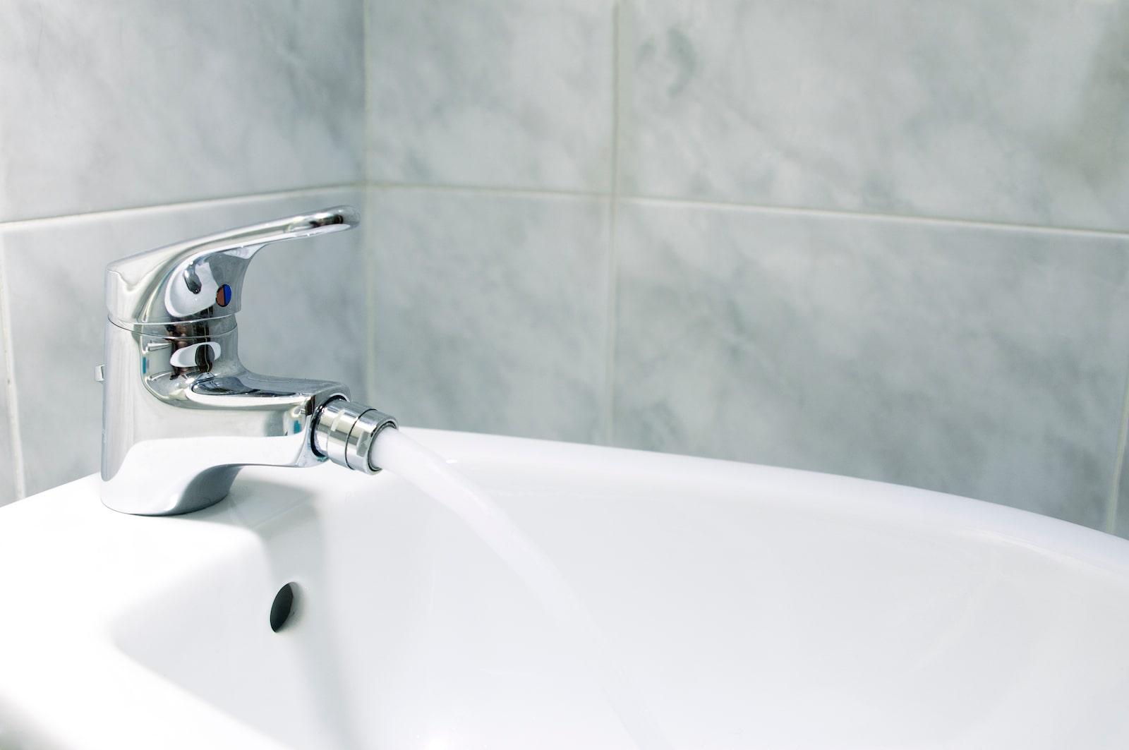 cambiare rubinetto bidet